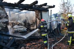 A gépkocsi is kiégett a garázsban