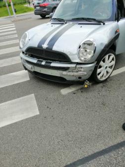 Az összetört autó Érden