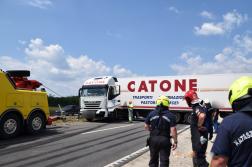 Kamionmentő is részt vett a mentésben
