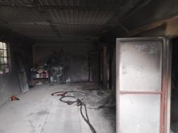 Autófényező műhelyben keletkezett a tűz