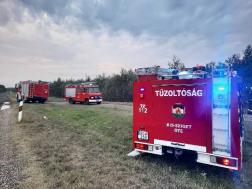 Kis-szigeti önkéntes és a sziogetszentmiklósi hivatásos tűzoltók végezték a műszaki mentési feladatokat