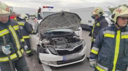 Személyautó és egy kisteherautó ütközött össze